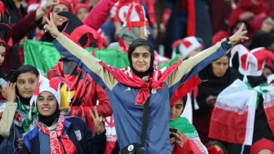 تصویر آثار موضوع حضور یا عدم حضور زنان در استادیوم بر افکار عمومی